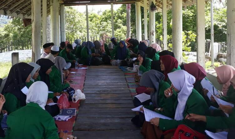 Mahasiswa Tarbiyah dan dakwah STAIN Meulaboh Studi ke Situs Sejarah