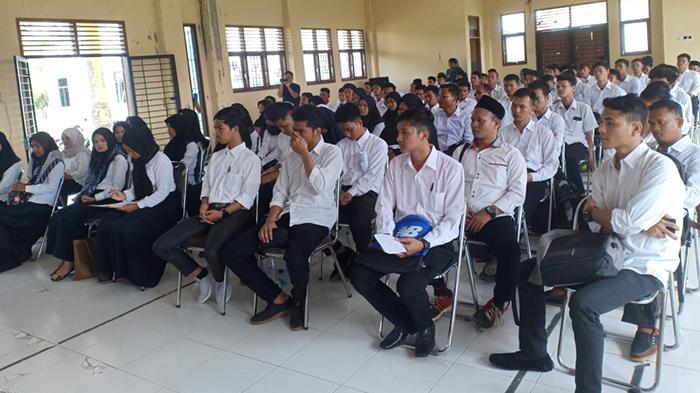 Pemko Subulussalam Kirimkan 17 Peserta Latihan Kerja ke Bekasi