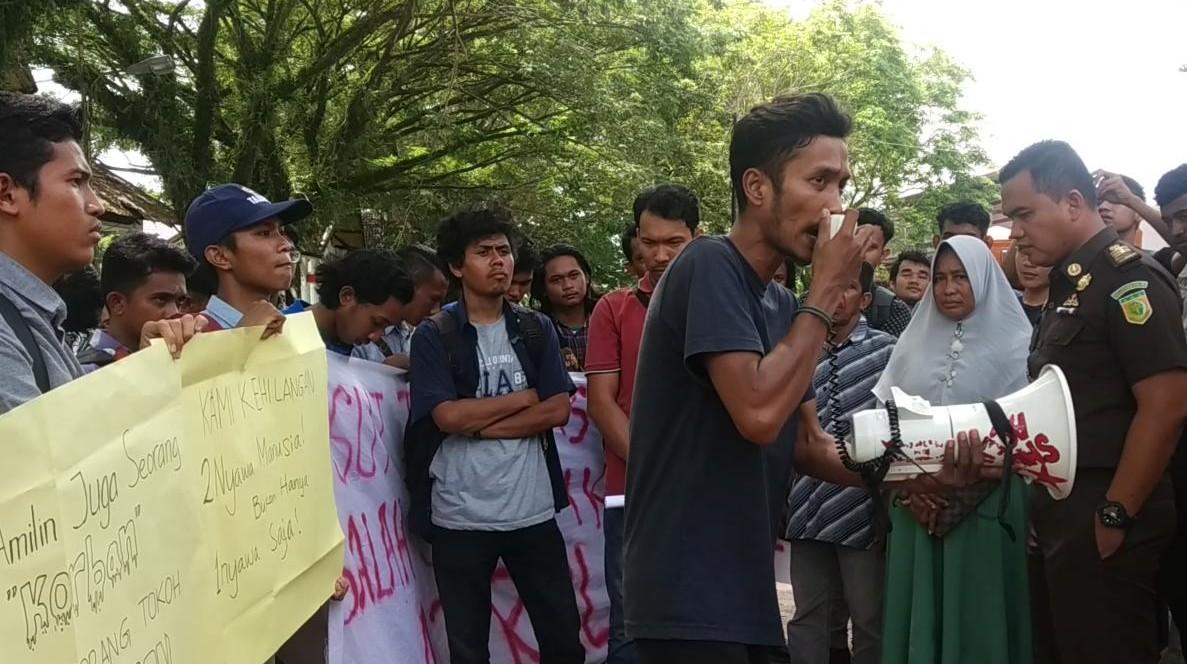 Tagih Janji Politik, Mahasiswa Abdya Geruduk Kantor Bupati