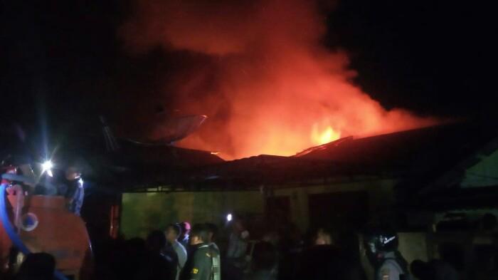Malam Ini Kebakaran Hebat Tejadi di Aceh Tenggara, Sejumlah Rumah Hangus