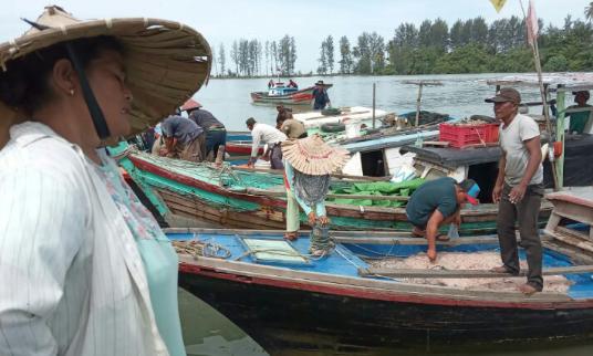 Akibat Cuaca Buruk, Tangkapan Nelayan di Banda Aceh Turun